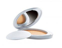 Lakme Perfect Radiance Intense Whitening Compact Golden Medium 8g