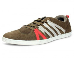 Great Discount in Branded Footwear