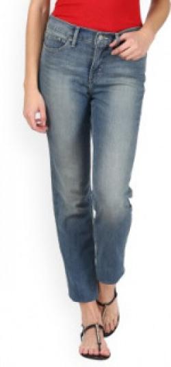 Levi's Women's Jeans @ min 50% off | Plus Extra 10% off