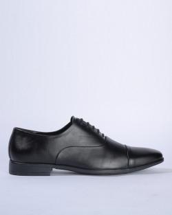 Min 60 Percent Off Footwears
