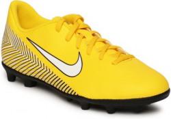 Nike Jr Vapor 12 Club Gs Njr Mg Football Shoes For Men(Yellow)