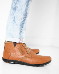 Flat 80% Off On Men's Casual shoes